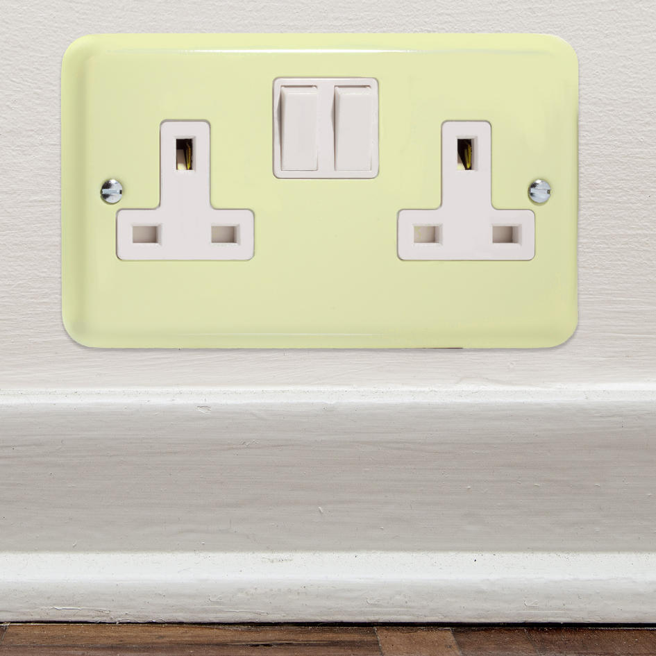 2 In Stock White Chocolate Cream Switched Socket