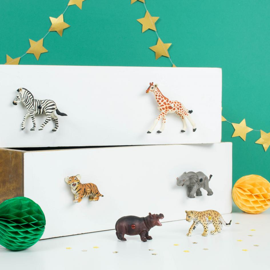Safari Animal Drawer Knobs ~ Set of 6 Safari Animals ~ Cupboard Knobs for Children�s Jungle Themed Bedroom