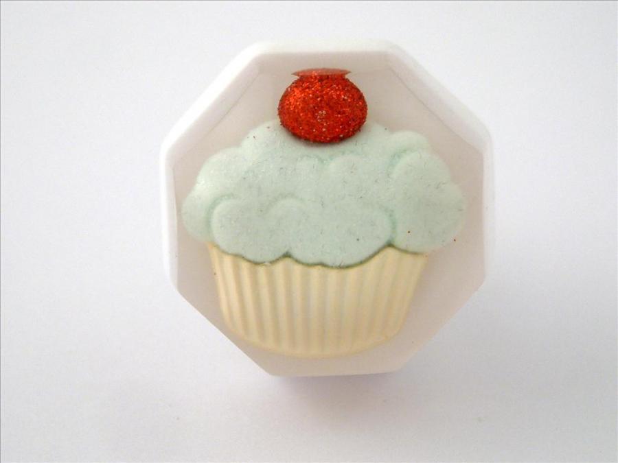 Cupcake Cupboards Knob