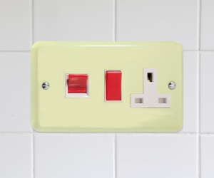 XY45PW.WC Cream Cooker Switch, Red 45 Amp Panel, Double Horizontal Plate, Varilight Lily Retro Range White Chocolate CQ XY45PW.WC