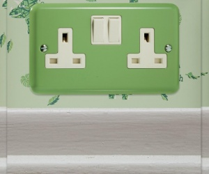 4 IN STOCK - Classic Beryl Green 13 Amp Switched Socket Made By Varilight 2 Gang (Double) Plug Socket CQ XY5W.BG