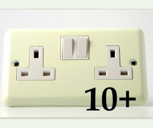 1 x Gorgeous White Chocolate Cream 13 Amp Switched Socket Made By Varilight 2 Gang (Double) Plug Socket CQ XY5W.WC