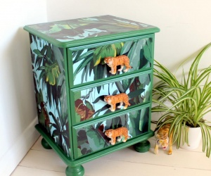 Fun Children´s Furniture - Upcycled Bedside Chest of Drawers for a Jungle themed Bedroom or the Lounge
